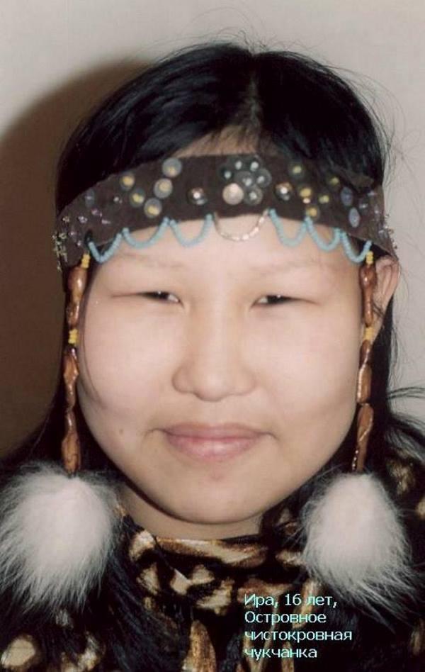 Ира, 16 лет. Островное. Чистокровная чукчанка. Анадырь, декабрь 1999 г. Фото Валерия Писигина