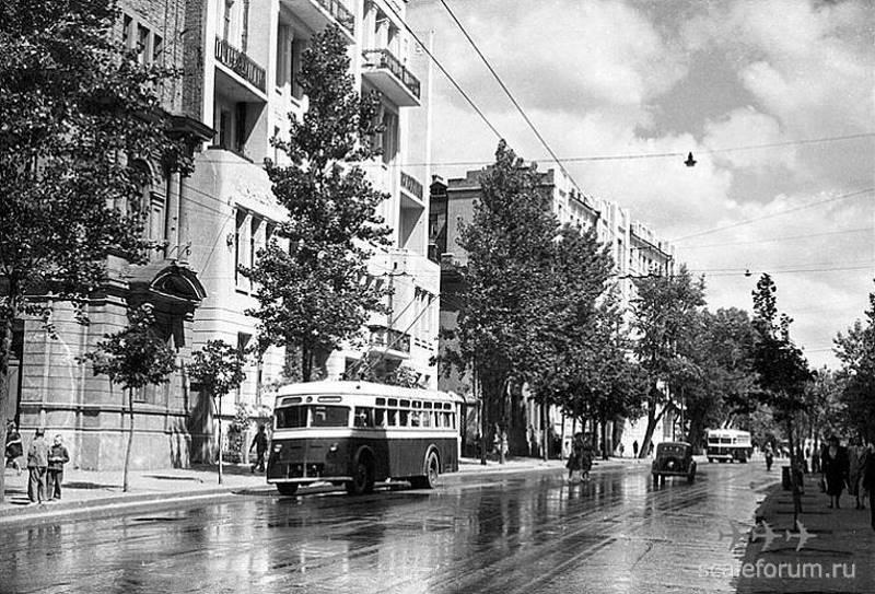 Харьков, 1939 год. Первые троллейбусы